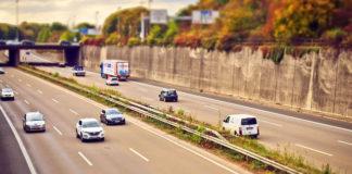 Transport towarów niebezpiecznych - co warto wiedzieć?