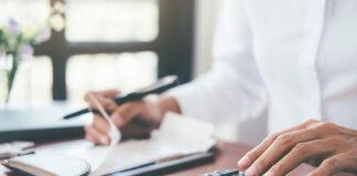 Zarządzanie finansami domowymi – czy warto brać kredyty