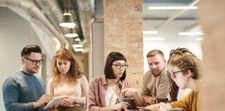 jak budować lojalność pracownika